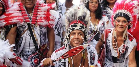 Fantasias na mira do politicamente correto: Luiz Antonio Simas opina