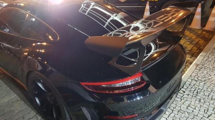 GT3 RS pertence a empresário que tem loja de carros de luxo; ele foi preso por posse ilegal de arma - Divulgação