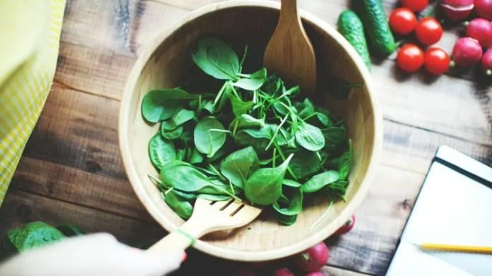 Salada de folhas - iStock - iStock