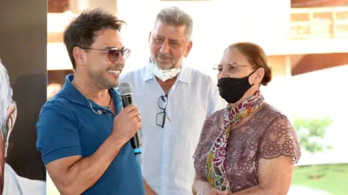 Zezé Di Camargo ao lado da mãe, Helena, em inauguração de hospital em Goiânia - Marcos Ribas/Brazil News - Marcos Ribas/Brazil News