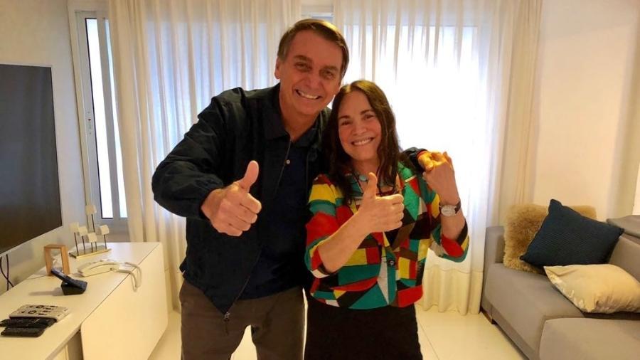 regina duarte conversou com bolsonaro 1539377850828 v2 900x506 - DAS NOVELAS AO MINISTÉRIO: Bolsonaro avalia recriar pasta da cultura para ter Regina no seu time