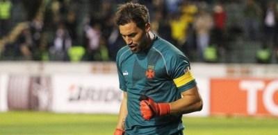 Martin Silva pegou três pênaltis no jogo