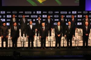 Personalidades, entre elas o juiz Sérgio Moro (segundo à esquerda) e o presidente Michel Temer, participam de evento organizado pela revista Isto É
