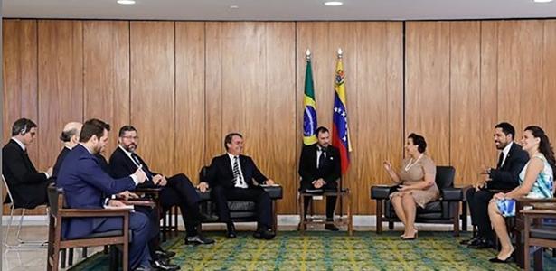 Brasil retira diplomatas da Venezuela