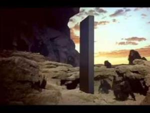 "Scene in which a metallic object appears in the film ""2001: A Space Odyssey"" - Press Release / Metro-Goldwyn-Mayer - Press Release / Metro-Goldwyn-Mayer"