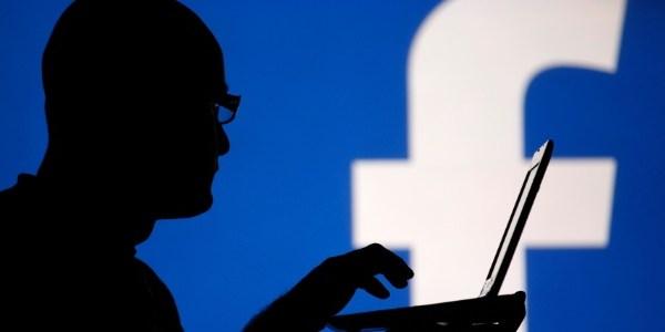 Você já baixou seus dados do Facebook?