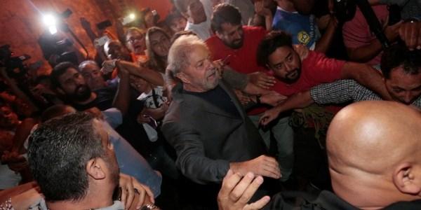 Lula não sai da PF em Curitiba desde 7 de abril, quando se entregou e foi preso
