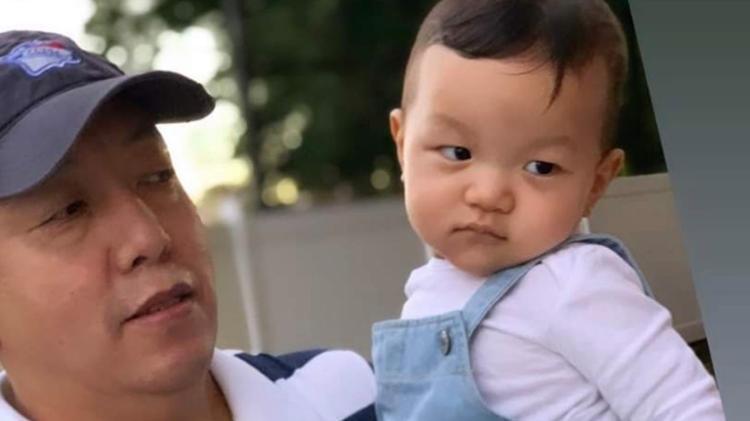 Ang Gelu Lama, 50 years old, and his son, Lobsang Lama, 2 years old - Reproduction/Facebook - Reproduction/Facebook