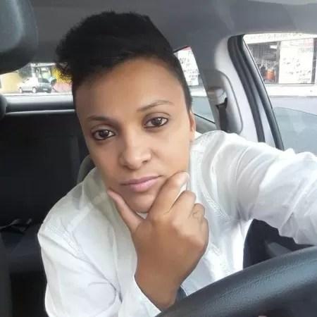 Daniela Cristina Teles desistiu de trabalhar como motorista de aplicativo após alta dos combustíveis, do aluguel do carro e medo de contrair covid - ARQUIVO PESSOAL - ARQUIVO PESSOAL