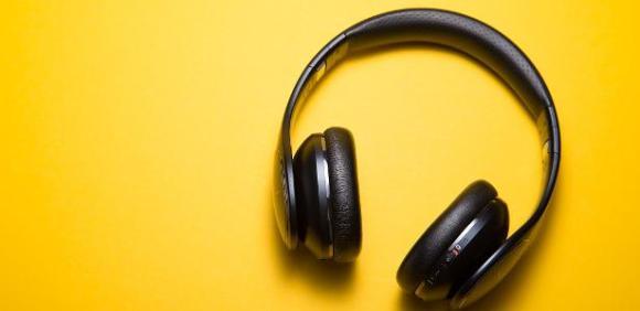 Opinião: Acordos de exclusividade podem ser tiro no pé dos podcasts?