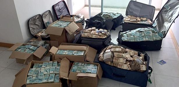 malas-de-dinheiro-em-endereco-atribuido-a-geddel-vieira-lima-em-salvador-1504624139654_615x300 PF apreende um total de R$ 51 mi em dinheiro em apartamento atribuído a Geddel
