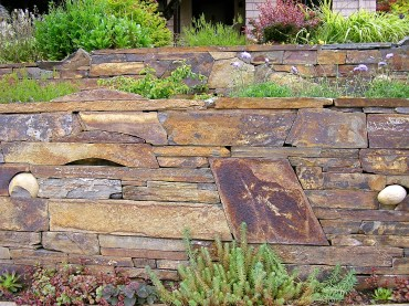 Eric Contey Stonework: Quince wall