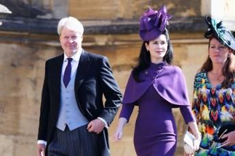 O irmão da Princesa Diana e tio dos príncipes Harry e William, Charles Spencer, com a esposa, no casamento do sobrinho com Meghan Markle [Foto: Getty Images]