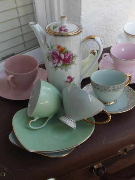 hire vintage tea set blue mountains