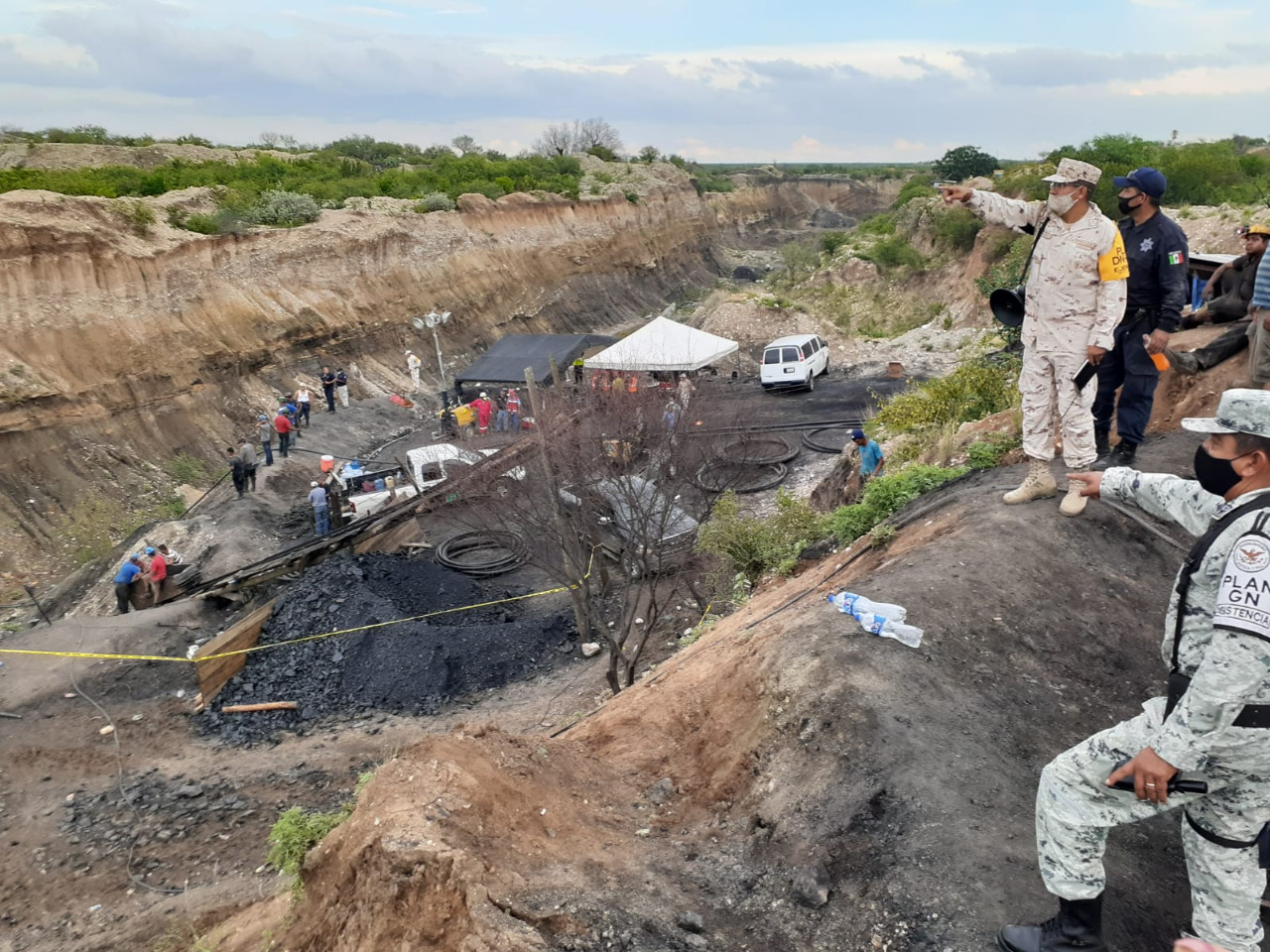 Autoridades revisan accidente en mina