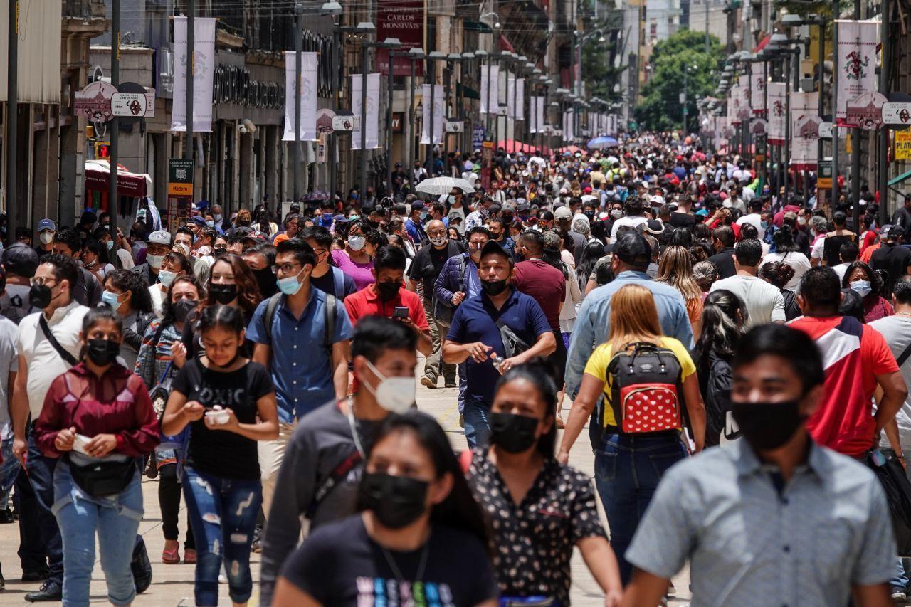 Ciudadanos durante la pandemia de Covid-19 en el centro
