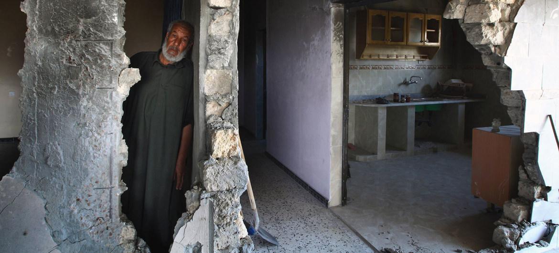 Condiciones inhumanas en las prisiones, cárceles clandestinas, ejecuciones extrajudiciales de mujeres, fosas clandestinas y combatientes mercenarios forman parte de los crímenes de guerra documentados en Libia. Foto: Misión de Apoyo de las Naciones Unidas en Libia.