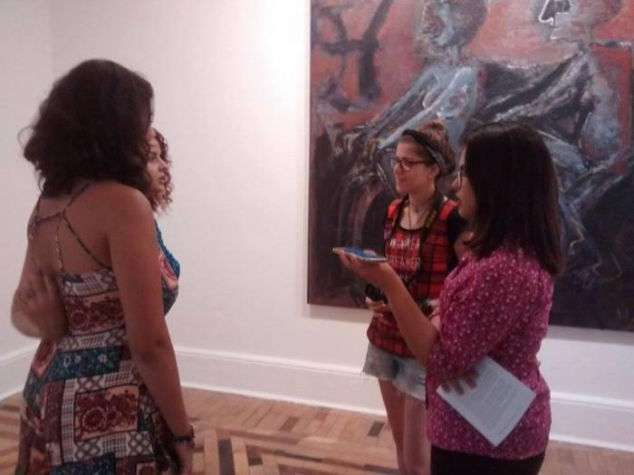 Entrevista com Luísa Poeiras e Rafaela Toloro, ambas 18 anos.