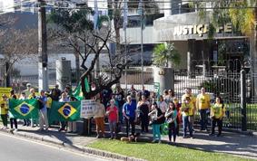 Ato dá apoio a Sergio Moro em Curitiba