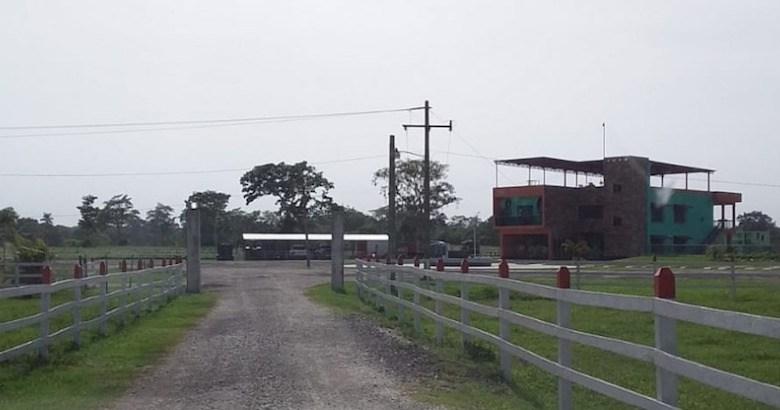 Photo of FGJT localiza fosa clandestina en rancho de «huachicolero» de Huimanguillo