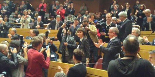 carole-delga-acclamee-par-l-assemblee-pleniere-regionale-du-4-janvier-2016