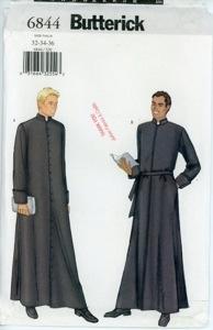 Prêtres en soutane