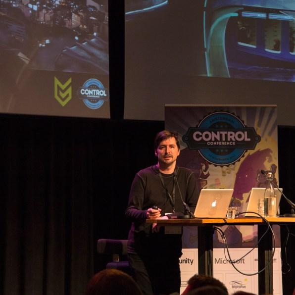 Misja-Baas-(Guerrilla-Games)-tijdens-de-openings-keynote