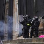 """""""Nos están matando"""": indignación en Colombia por el caso de Lucas Villa, un activista pacífico que recibió ocho disparos mientras protestaba"""