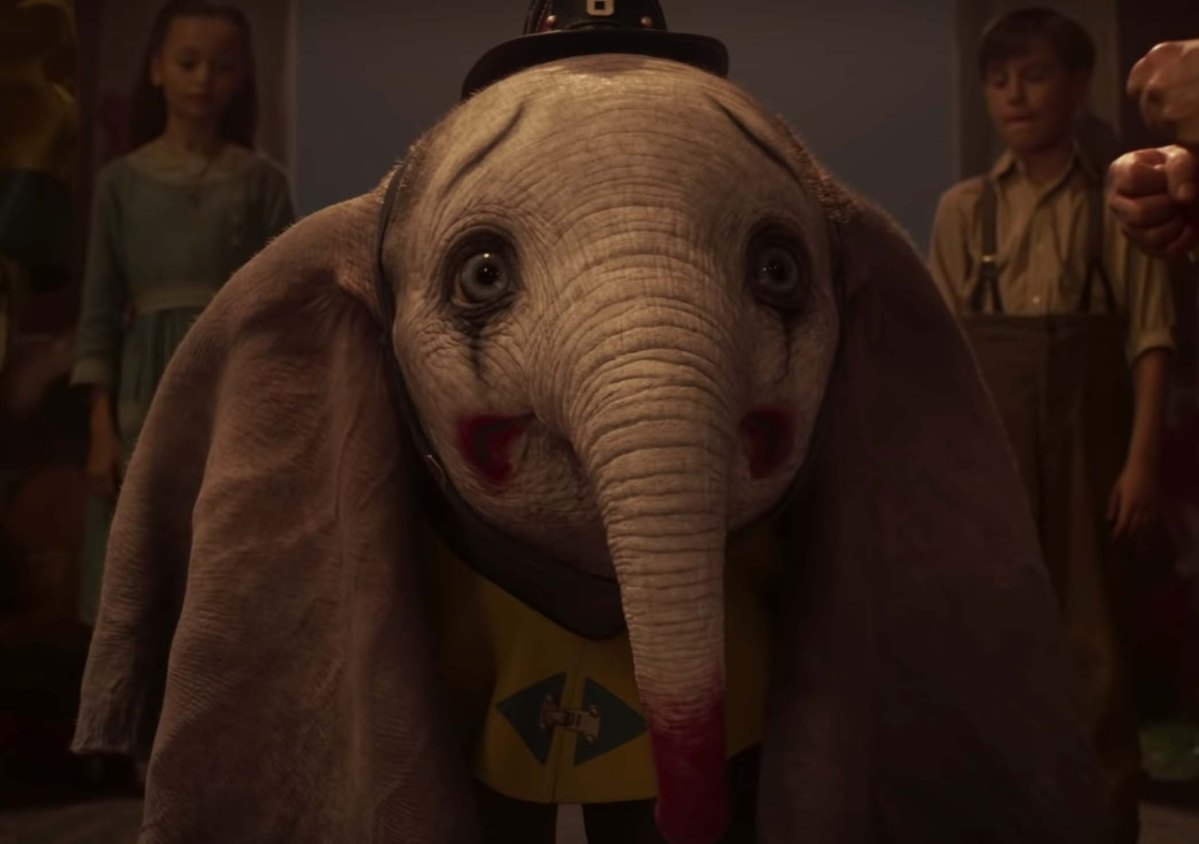 Dumbo Film Review (2019) - Flying Elephant Reimagined
