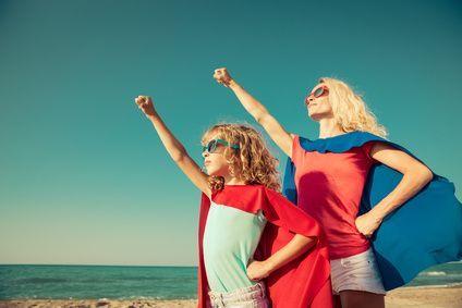 Madre e hija con superpoderes