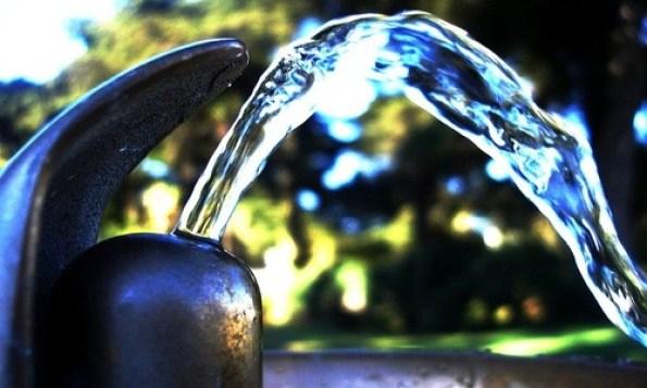 Risultati immagini per acqua che sgorga