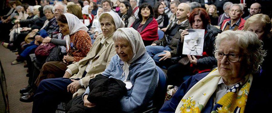 Na Argentina, rejeição ao período militar impediria eleição de defensor da ditadura