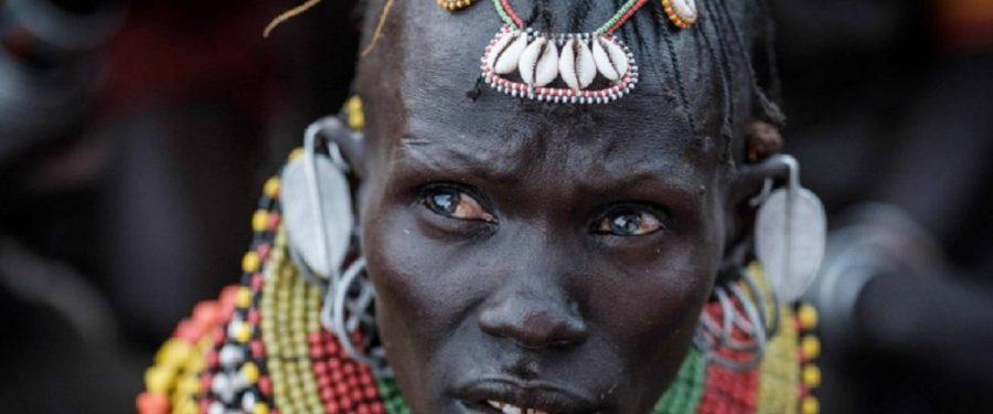 Este mapa revela que os europeus brancos associam rostos negros a conceitos negativos