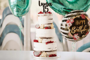 Naked Cake, tarta 15 años, fiestas 15 años, fiestas personalizadas, tartas decoradas, tartas en barcelona, tartas personalizadas