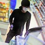全身黒づくめのコンビニ強盗男 画像公開 現金15万円奪う 京都・舞鶴
