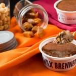 セブン‐イレブン/「マックス ブレナー チョコレートキャラメルMOCHIアイス」発売