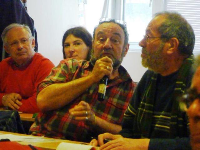 Jean-pierre CHAUFFIER (Anti LGV Limoges Poitiers- Pro POLLT) ... entre Laurence PAGE (PG) et Jean-Paul JUILLET (AUT 85)