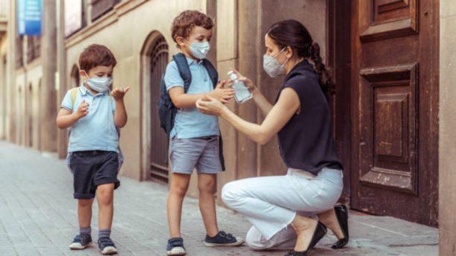 coronavirus-y-vuelta-al-cole-5-cosas-que-los-padres-no-deben-hacer-655×368