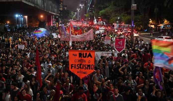 Manifestación en contra de Bolsonaro en Sao Paulo