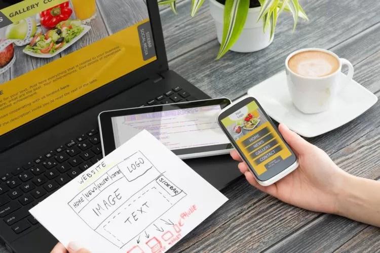 Site de Pequena Empresa vs Página de Negócios do Facebook qual escolher