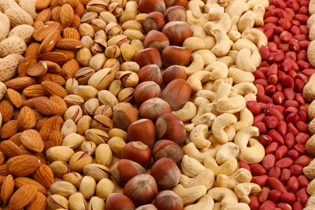 frutos secos para candidiasis