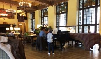 Ahwahnee_Great_Room_piano_bright