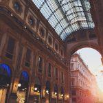 イタリアプラダ本店の場所はどこ?行き方と営業時間は?価格は日本より安い?