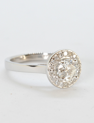 18k White Gold Diamond Engagement Ring .85 carat