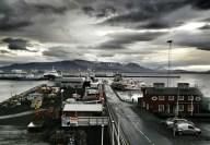 Uitzicht over de haven van Reykjavik