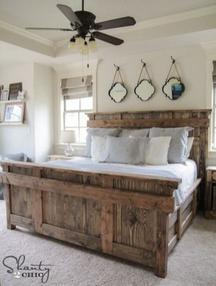 Amazing Rustic Farmhouse Master Bedroom Ideas 38