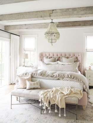 Amazing Rustic Farmhouse Master Bedroom Ideas 39