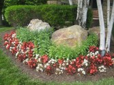 Gorgeous Front Yard Courtyard Landscaping Ideas 02