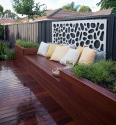 Gorgeous Front Yard Courtyard Landscaping Ideas 03