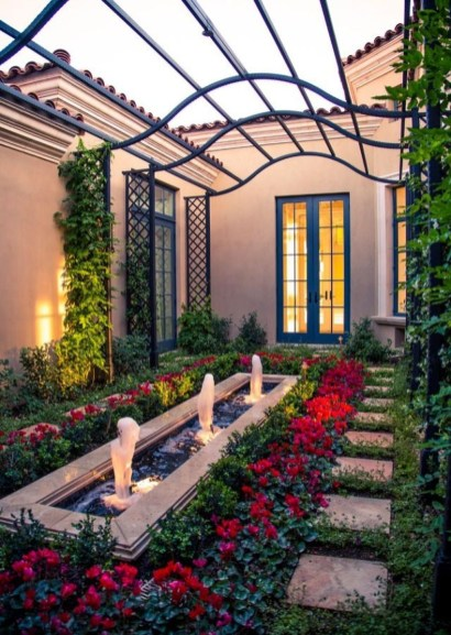 Gorgeous Front Yard Courtyard Landscaping Ideas 16
